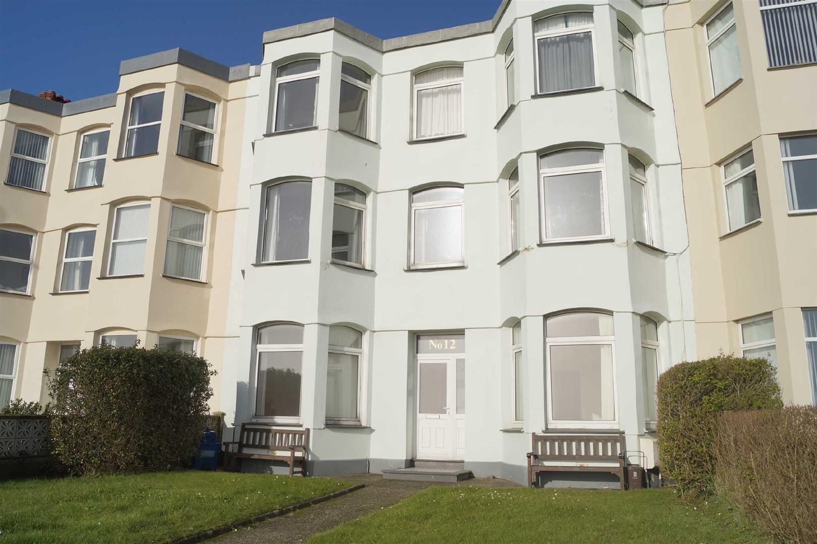 West End Parade, Pwllheli - £121,000